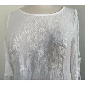 Brixon Ivy Tops - Brixon Ivy White Crochet Embroidered Keyhole Top S